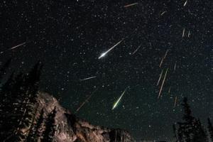perseid meteors by kingham 620