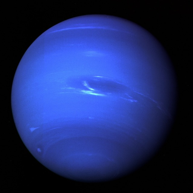 Planet Neptune by WikiImages on https://pixabay.com/en/neptune-planet-solar-system-67537/