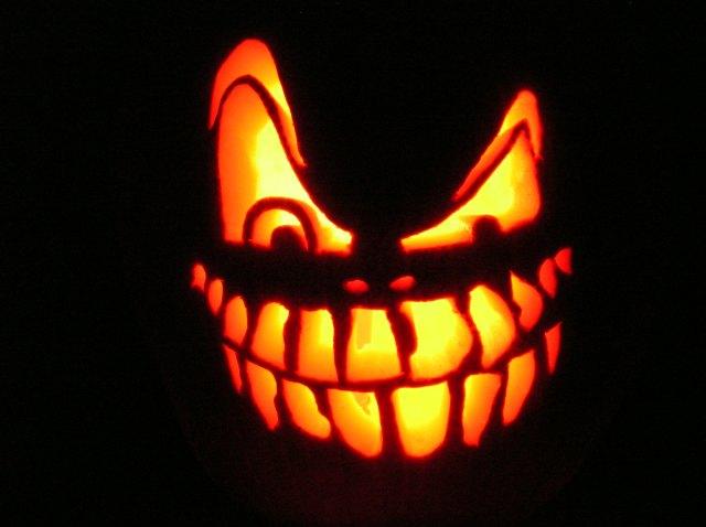 Scary Halloween pumpkin photo by WxMom from https://www.flickr.com/photos/wxmom